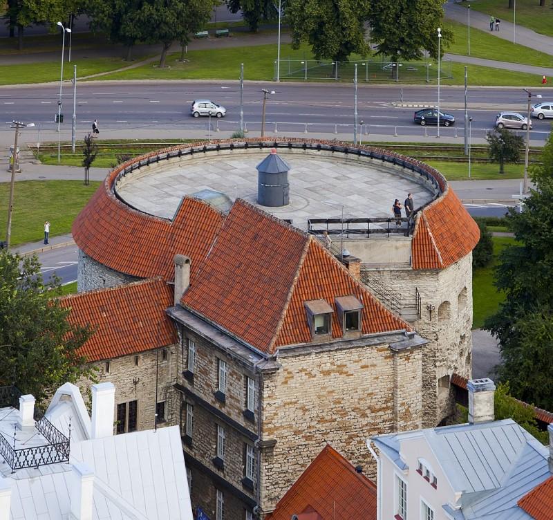 1088px-Vistas_panoramicas_desde_la_iglesia_de_San_Olaf_Tallinn_Estonia_2012-08-05_DD_48.jpg