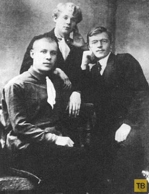 N.-I.-KOLOKOLOV-S.-A.-ESENIN-I.-G.-FILIPCENKO.-1914-1915-G..png