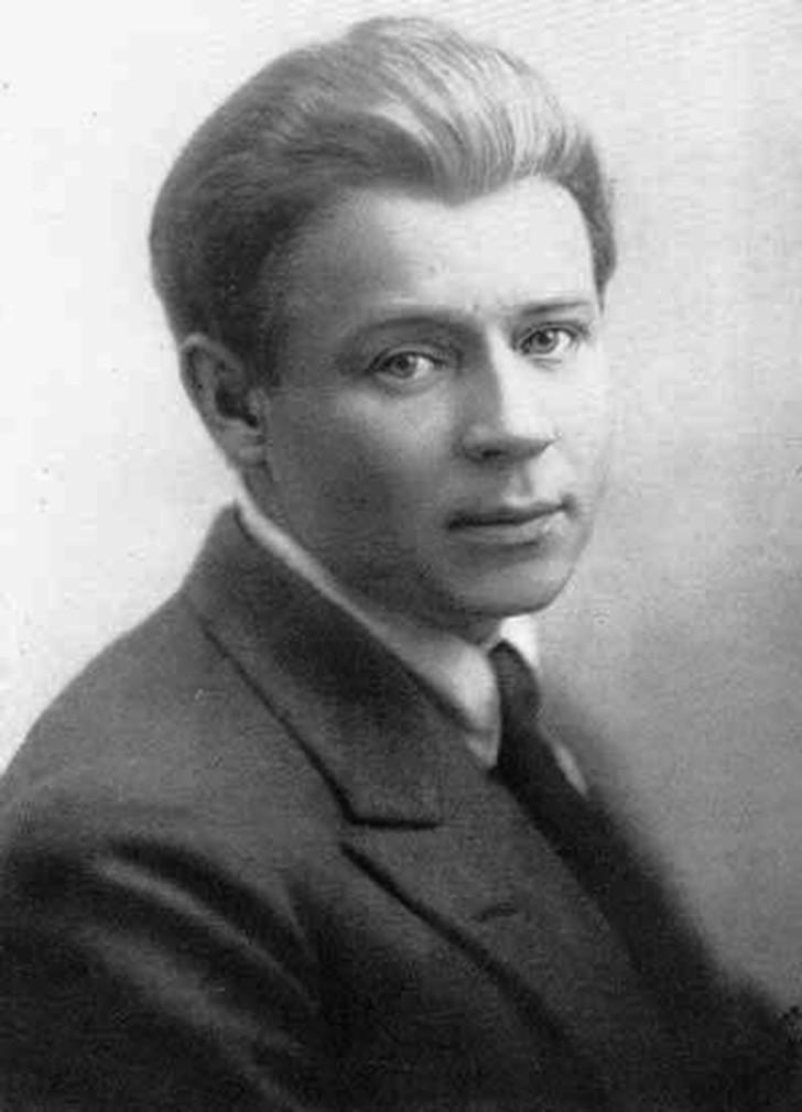 SERGEI-ESENIN-1925-G..jpg