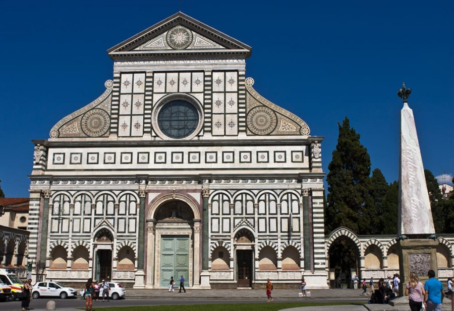 Bazilika-Santa-Mariya-Novella.jpg