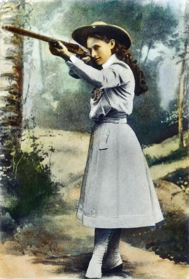 3-annie-oakley-1860-1926-granger.jpg