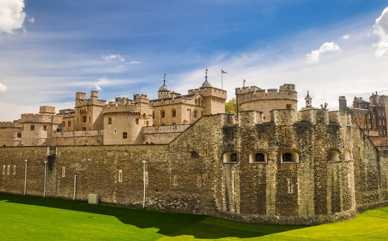 309780-tourist_tips_for_visiting_the_tower_of_london_with_kids_original.jpg